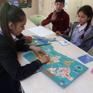 Çocuklarımız Haklarını Oynayarak Öğreniyor - KAPAK (2)